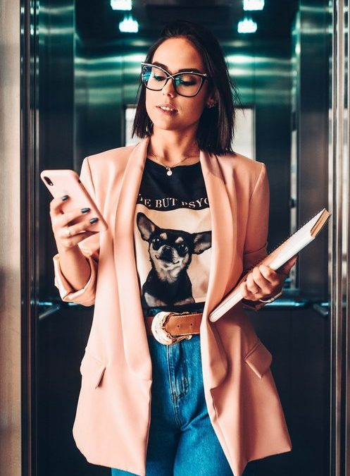 Selling yourself : Create your Elevator Pitch